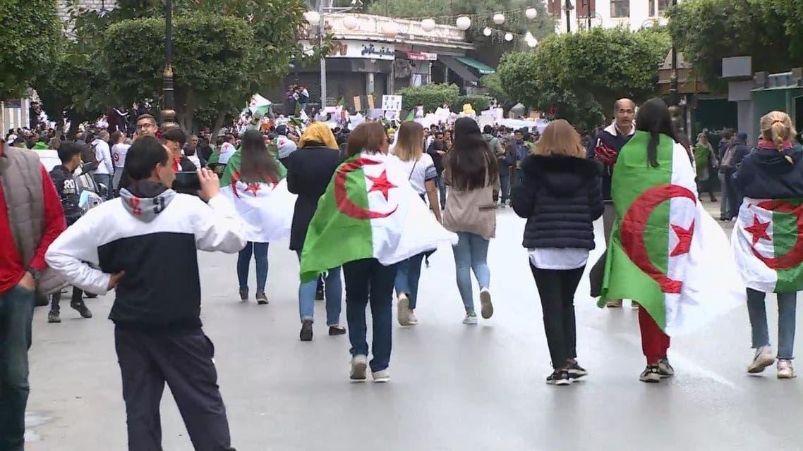 الجزائر.. انشقاقات جديدة تضرب صفوف الموالاة