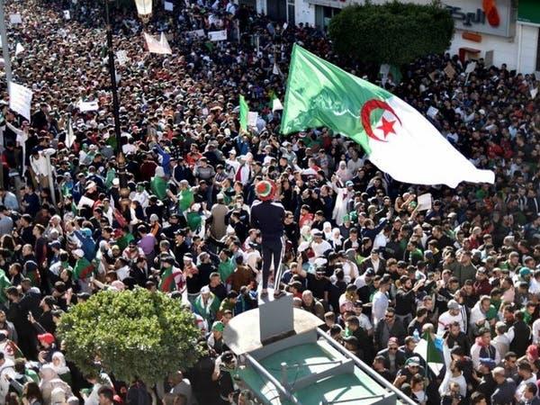 المعارضة الجزائرية تطرح خارطة طريق لما بعد بوتفليقة