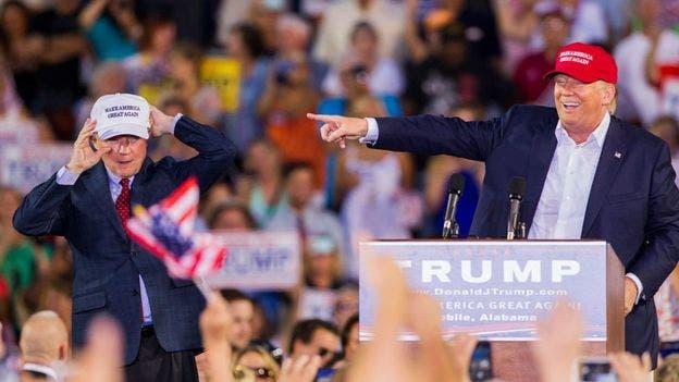 جف سشنز و ترامپ در كمپین انتخابات ریاست جمهوری آمریکا