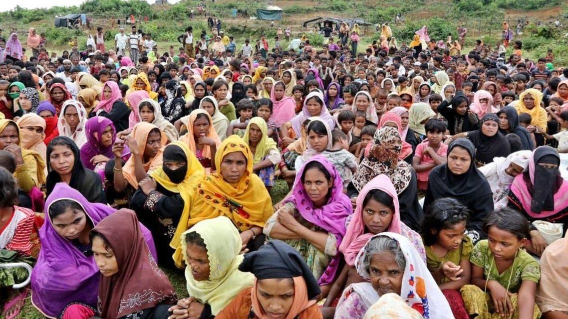 لاجئات من الروهينغا في مخيم داخل بنغلادش