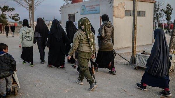 """6 داعشيات فررن من """"الهول"""".. والمدنيون إلى بيوتهم قريباً"""