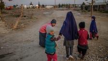 سوريا.. 800 امرأة وطفل خارج مخيم الهول الاثنين