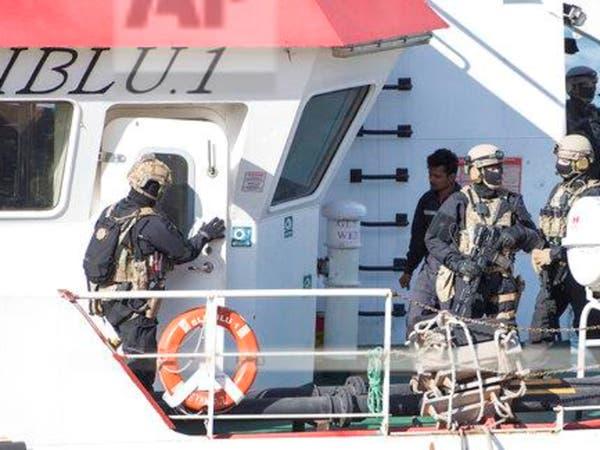 أول عملية قرصنة بأعالي البحار.. مهاجرون يختطفون سفينة