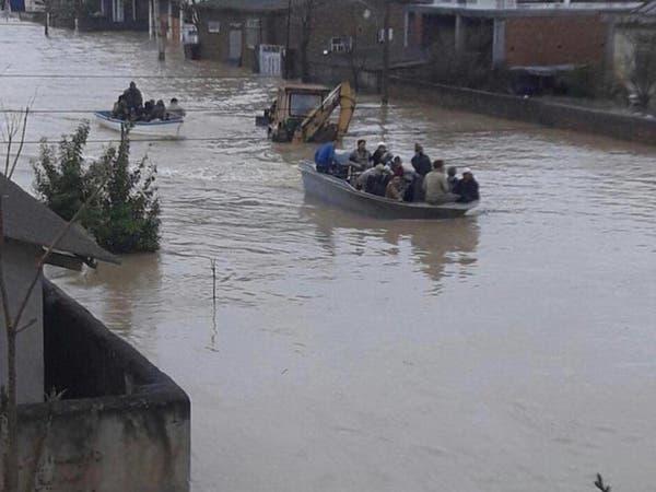 فرنسا ترسل مساعدات إلى مناطق إيرانية ضربتها الفيضانات