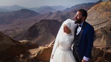مصر : سینٹ کیتھرین پہاڑ کی چوٹی پر شادی کی شان دار تقریب