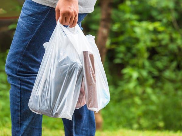 هل تصدق أنك تبتلع 200 ألف جزئية بلاستيك سنويا؟