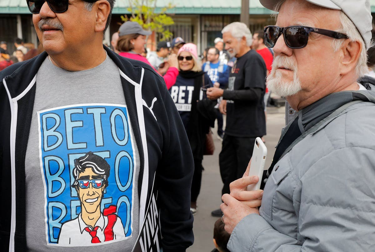 Supporters of Democratic 2020 US presidential candidate Beto O'Rourke gather ahead of his kickoff rally on the streets of El Paso. (Reuters)