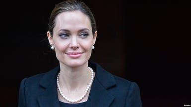 أنجلينا جولي تدافع عن الأطفال المهاجرين