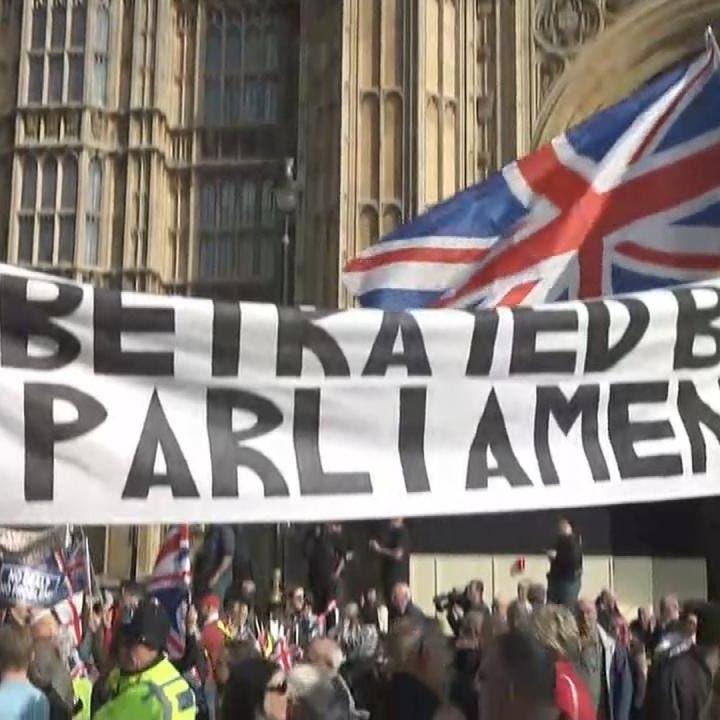 """ملكة بريطانيا تقر تشريعاً يمنع """"جونسون"""" من بريكست بلا اتفاق"""