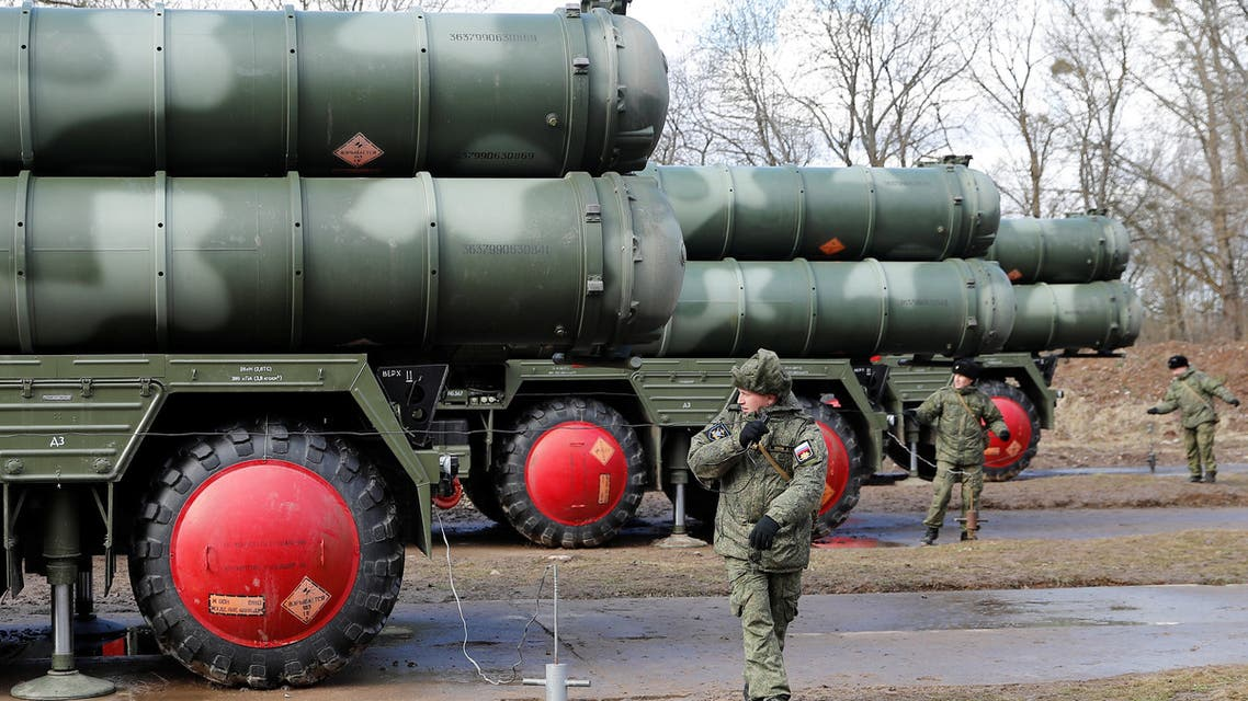 Russian servicemen stand next to a new S-400 Triumph surface-to-air missile system after its deployment at a military base outside the town of Gvardeysk near Kaliningrad, Russia March 11, 2019. Picture taken March 11, 2019. REUTERS/Vitaly Nevar NO RESALES. NO ARCHIVES.