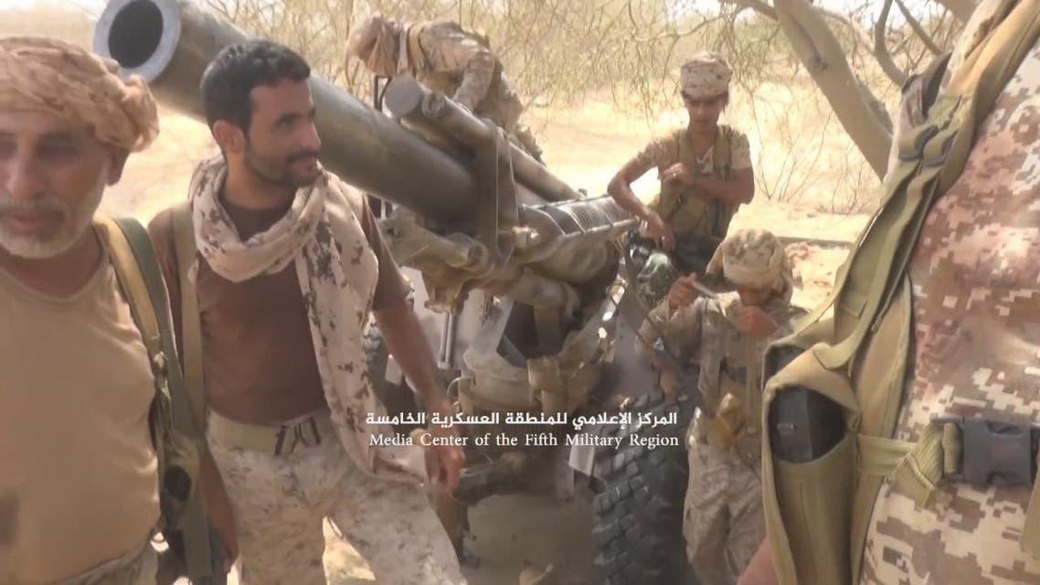THUMBNAIL_ الجيش اليمني يسيطر على أسلحة كانت بحوزة الميليشيات في عبس
