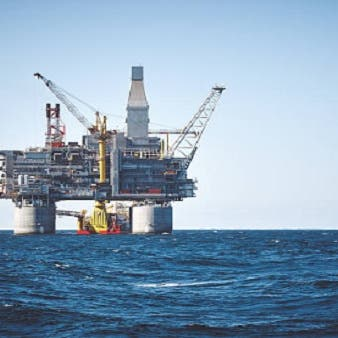 النفط يواصل ارتفاعه بعد تشديد القيود على إيران