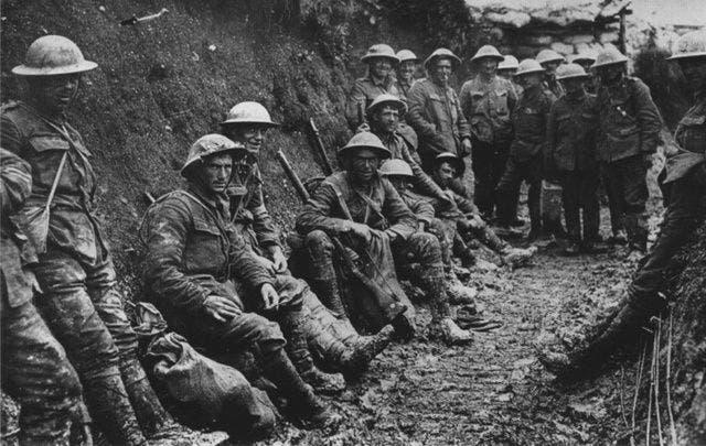 جانب من الجنود الأيرلنديين خلال الحرب العالمية الأولى