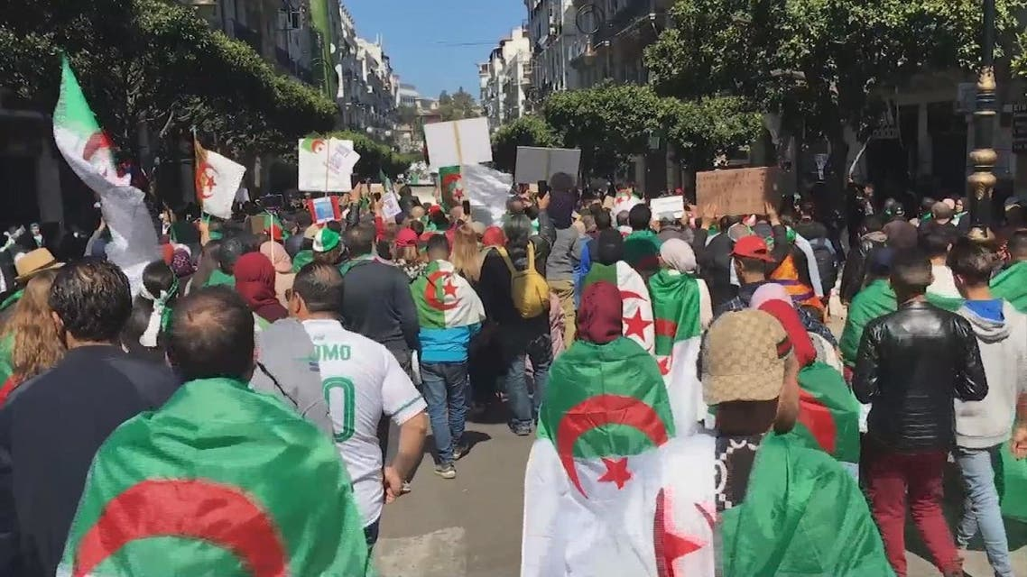 الجزائر.. مظاهرات جديدة اليوم وعين على البرلمان