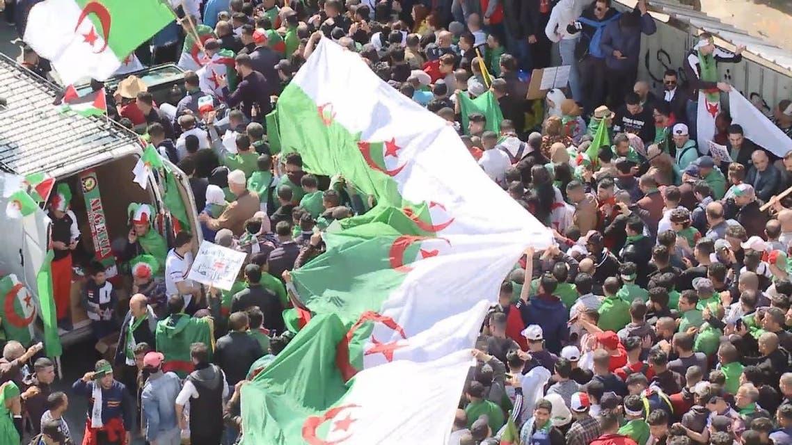 تعرف على قائمة مطالب الجمعة الجزائرية