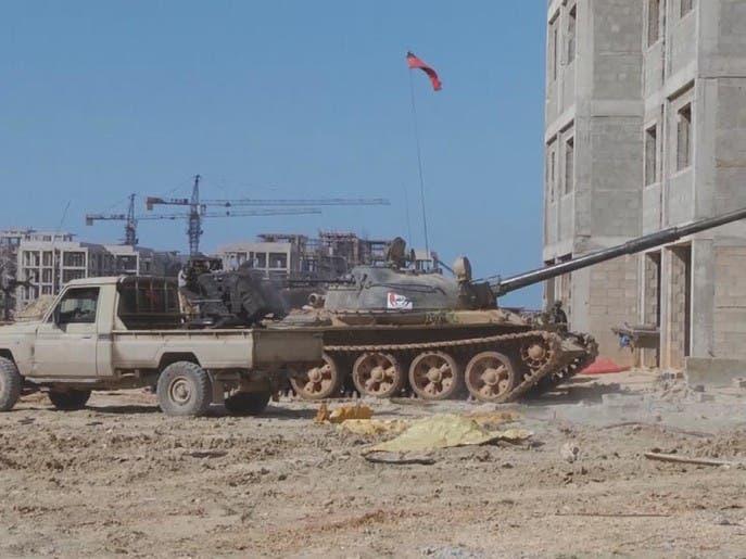 استمرار المعارك في طرابلس.. وآلاف ينزحون عن ديارهم