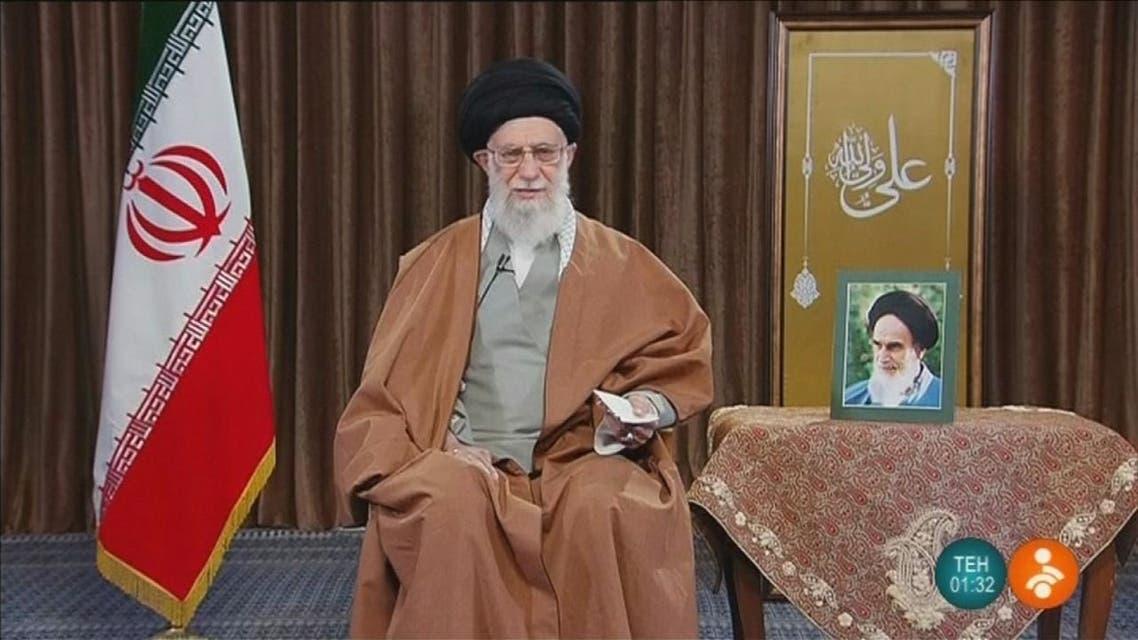 خامنئي يطالب العراق بضمان خروج القوات الأميركية