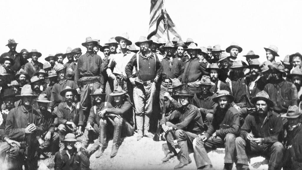 جانب من قوات المشاة الأميركية خلال الحرب الأميركية الإسبانية سنة 1898
