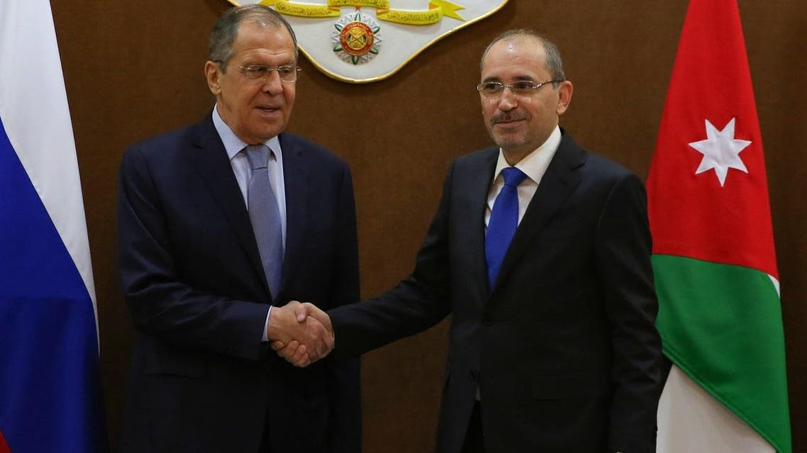 Jordanian Foreign Minister Ayman Safadi (R) welcomes his Russian counterpart Sergei Lavrov in the Jordanian capital Amman on April 7, 2019. (AFP)