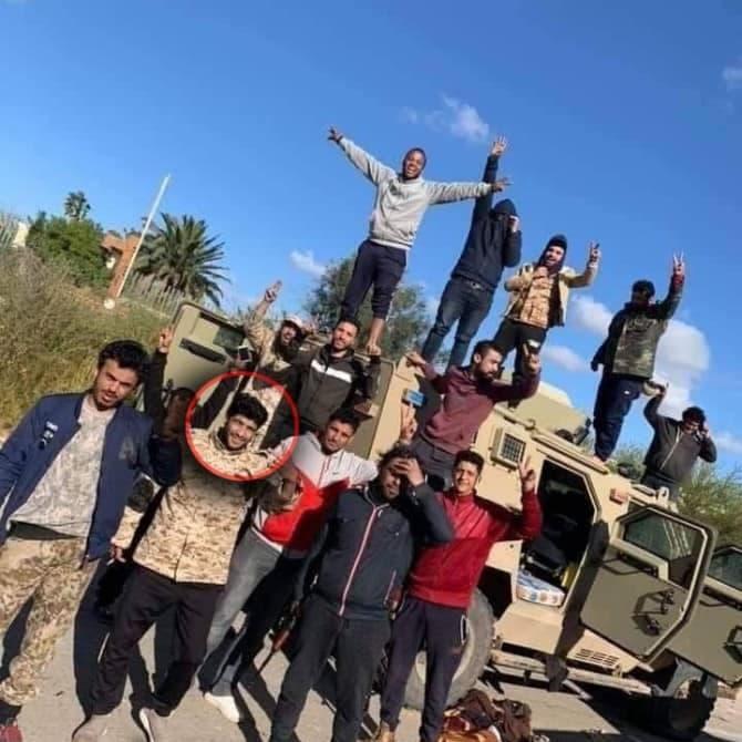 زعيم عصابة تهريب بشر يقود معارك طرابلس ضد الجيش