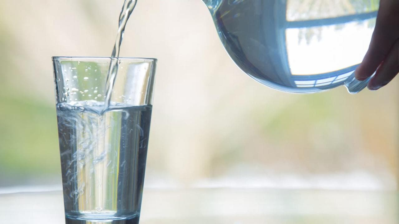 ما هي الكمية التي يحتاجها الجسم من الماء يوميا؟