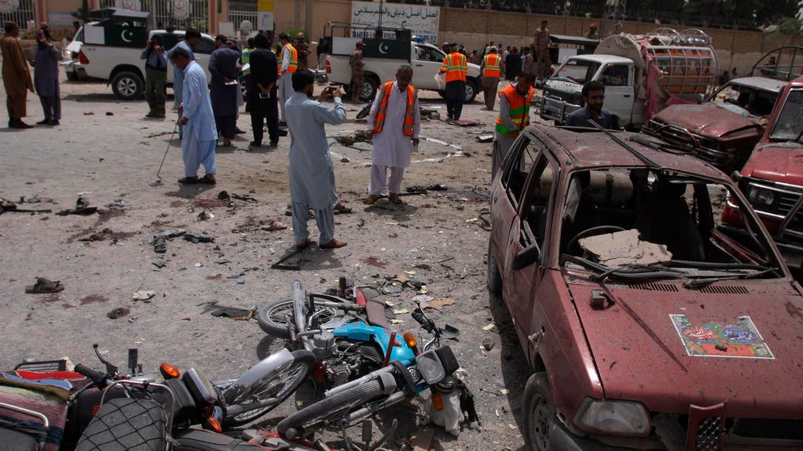 Pakistani security officials visit the site of a suicide bombing in Quetta on July 25, 2018. (File photo: AP)