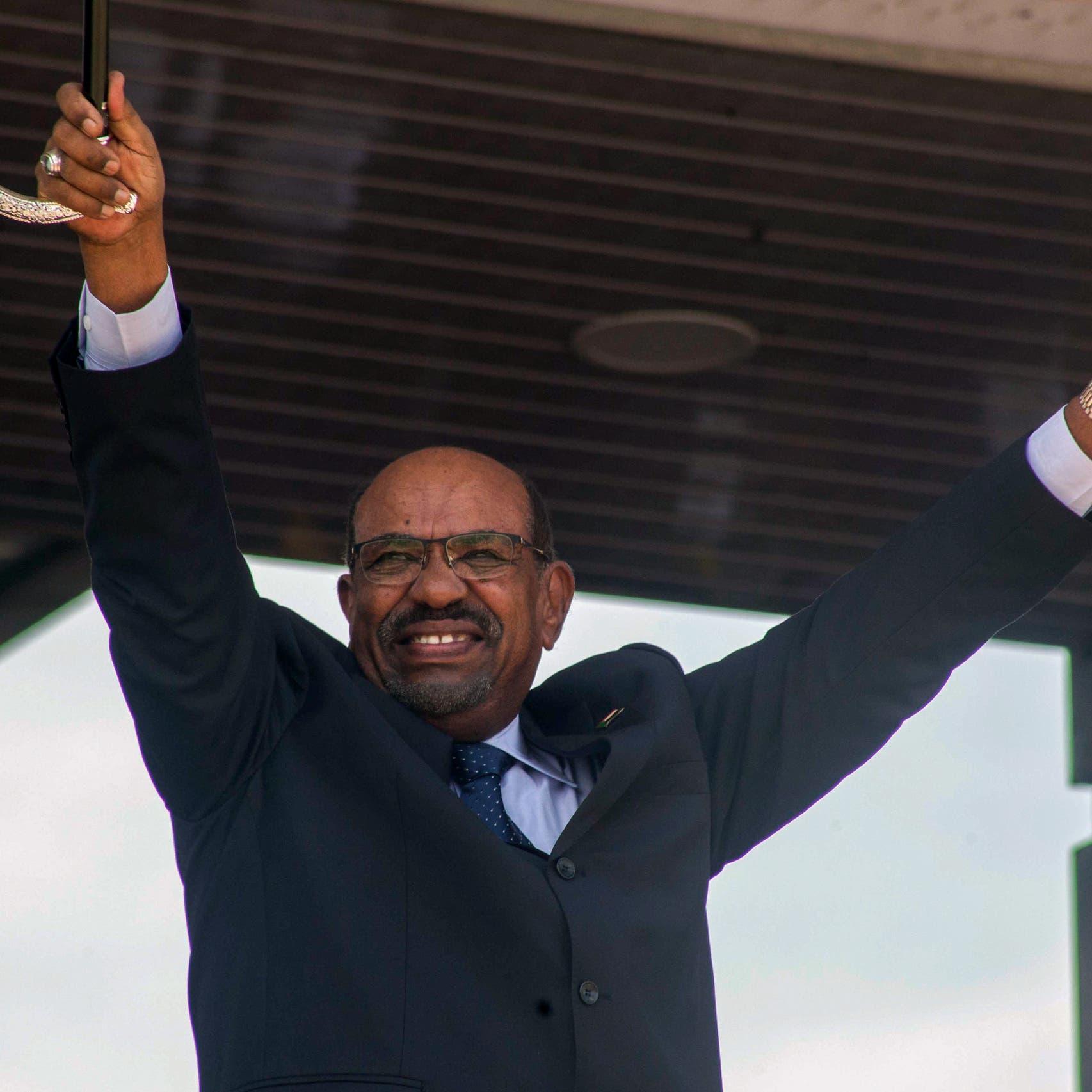 هكذا قضم الإخوان ثروات السودان.. فتوى ونفط وحلقة للبشير