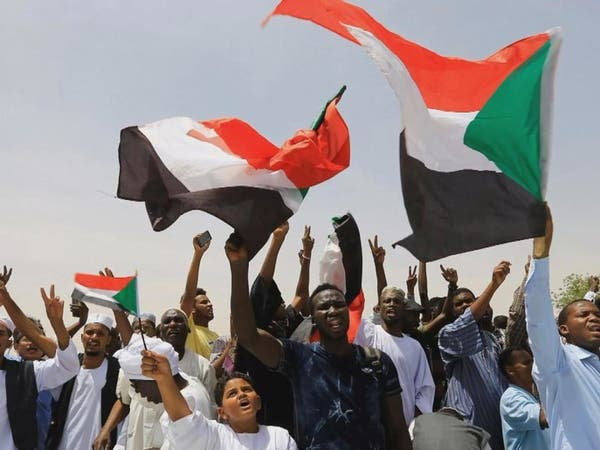 الاتحاد الأفريقي يهدد بتعليق عضوية السودان