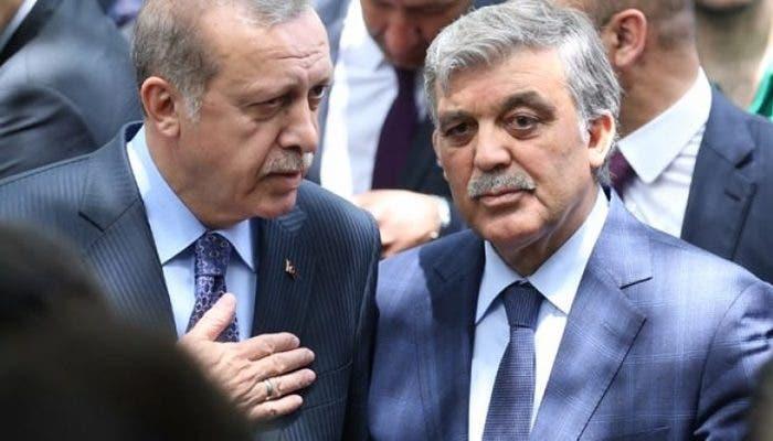 الرئيسان السابق عبدالله غول والحالي أردوغان