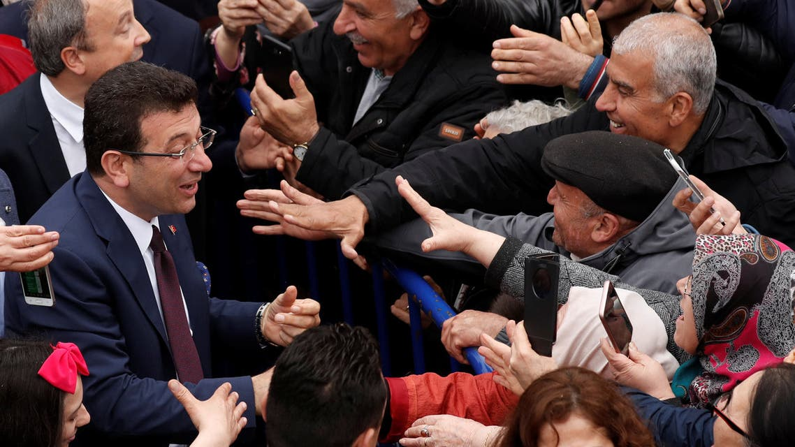Ekrem Imamoglu, main opposition Republican People's Party (CHP) mayoral candidate, is greeted by his supporters during a gathering in Istanbul, Turkey, April 12, 2019. REUTERS/Murad Sezer