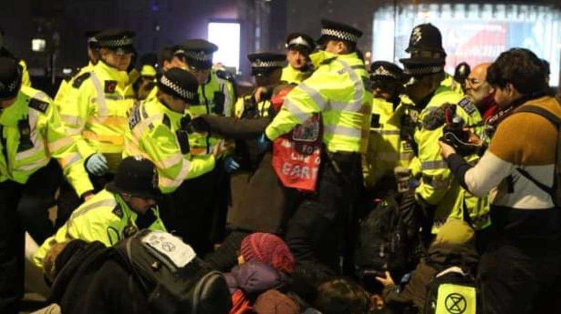 الشرطة البريطانية اعتقلت نشطاء المناخ