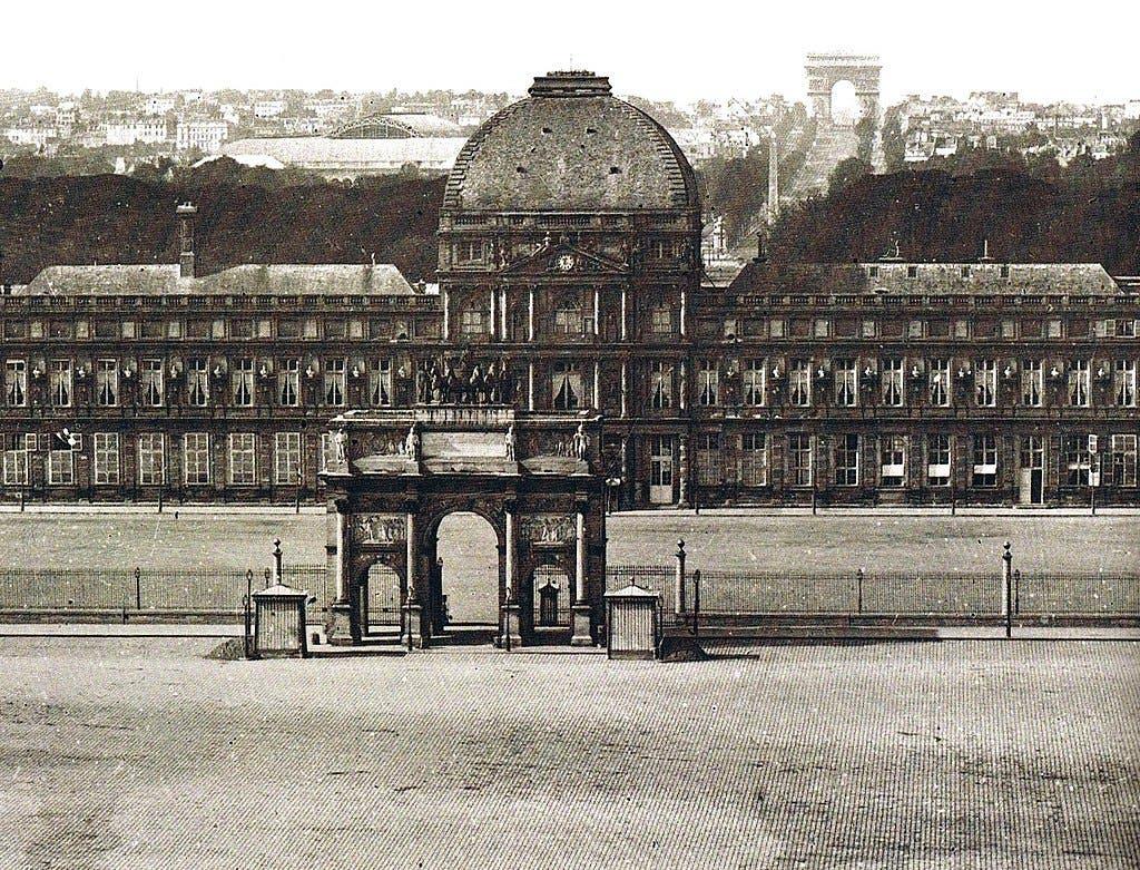 صورة فوتوغرافية التقطت في حدود العام 1860 لقصر التويليري