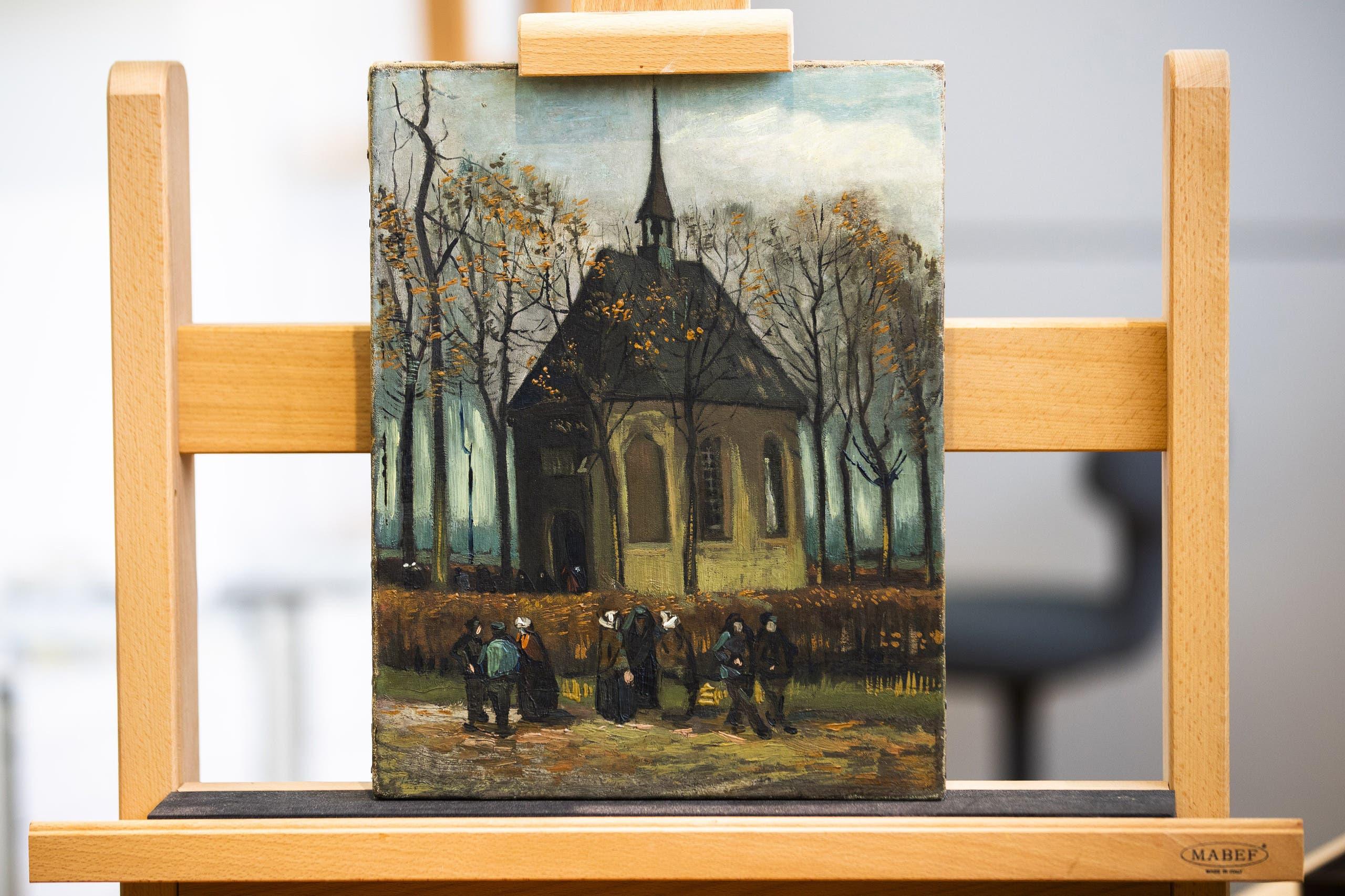لوحة خروج من كنيسة نوين