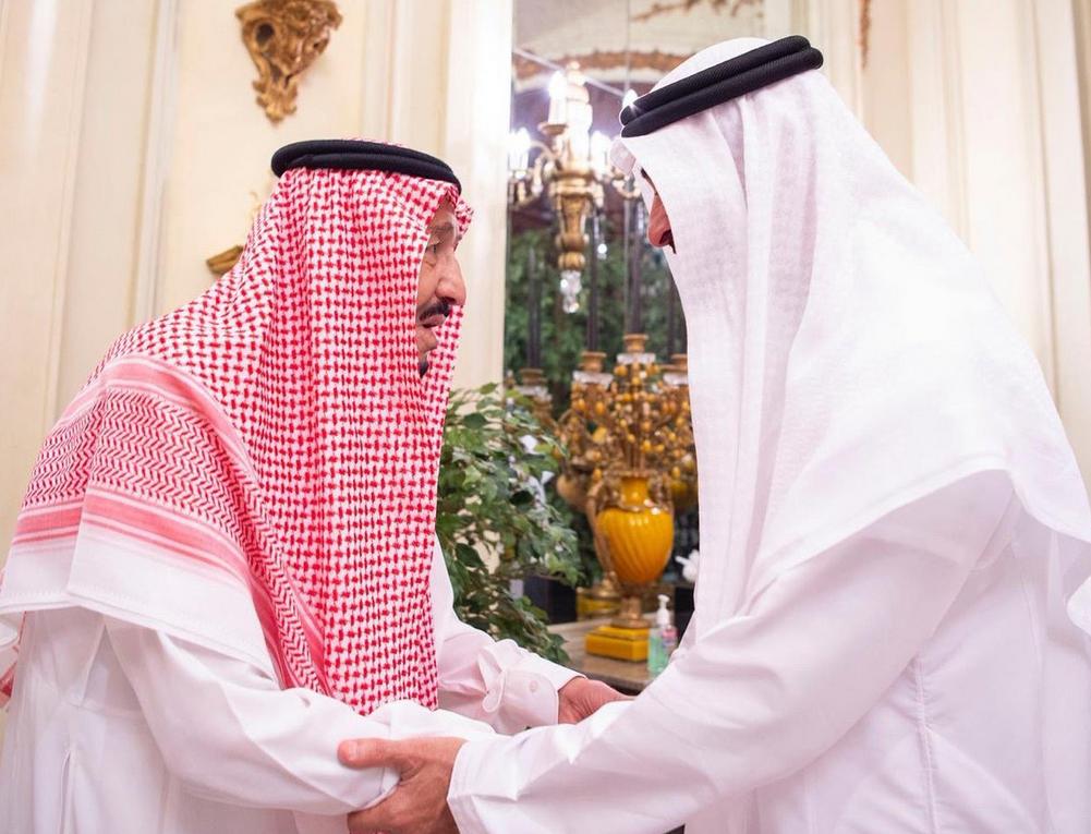 Saudi King receives Abu Dhabi Crown Prince. (Photo courtesy: Ministry of Foreign Affairs of the Kingdom of Saudi Arabia)