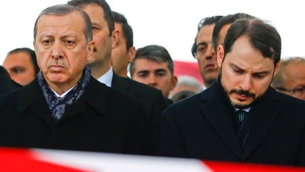 موقع فوكوس الألماني: البطالة وانهيار الليرة يهددان أردوغان