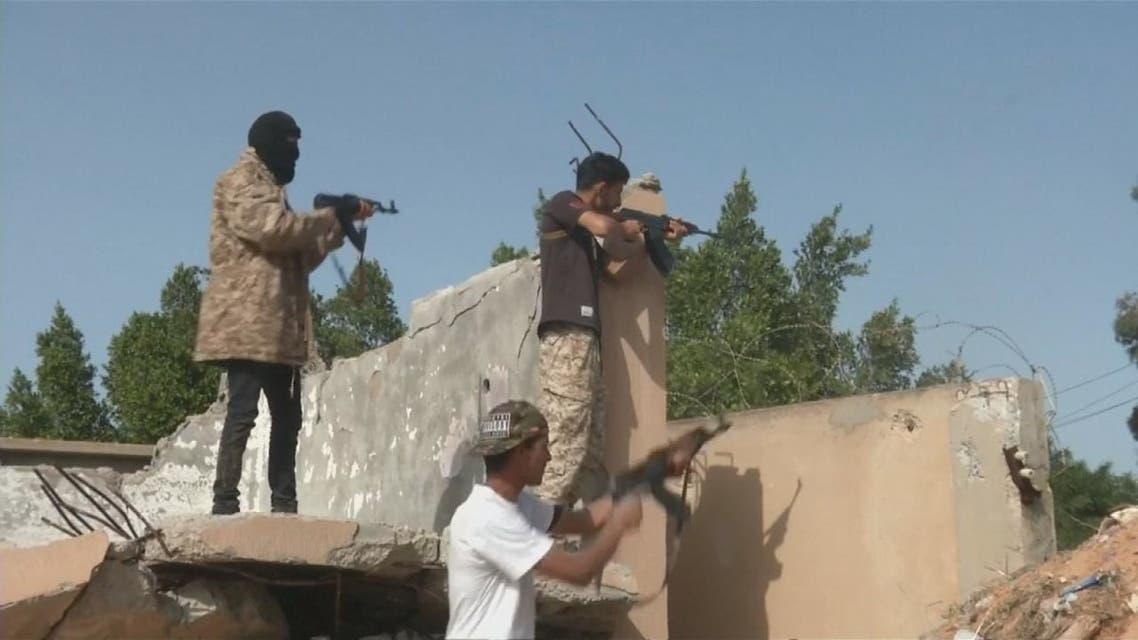 ليبيا.. اشتباكات عنيفة في ضواحي طرابلس