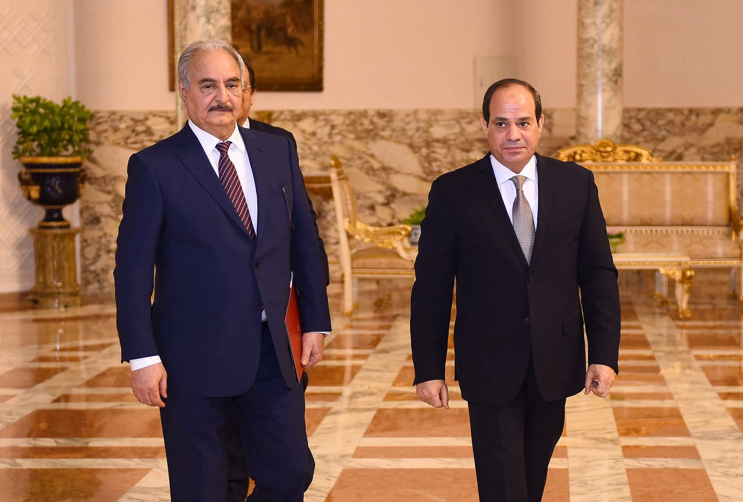 Commander of the Libyan National Army (LNA) Khalifa Haftar visited Egyptian President Abdel Fattah el-Sisi in Cairo in April. (File photo: AFP)