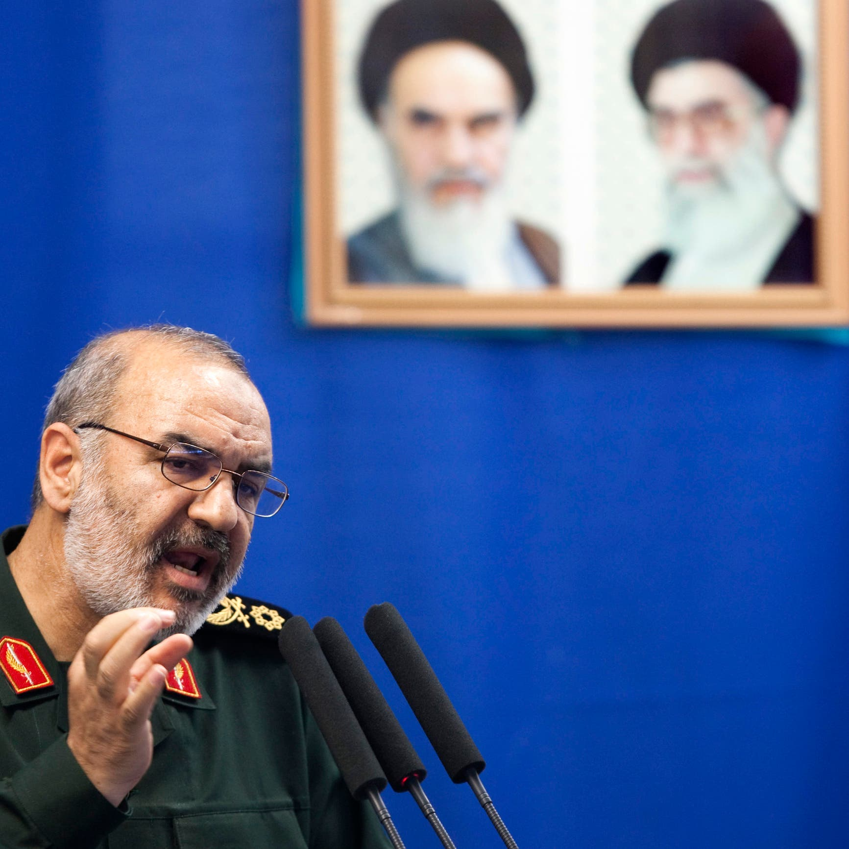 إيران تصارع الفقر.. والحرس الثوري يدشن مدينة صاروخية جديدة