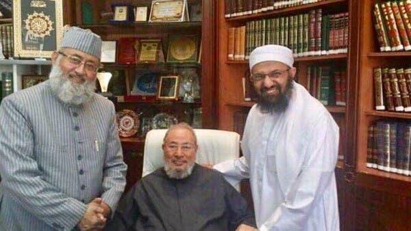 صورة للقرضاوي مع زعيم الجماعة المتهمة بتفجيرات سريلانكا