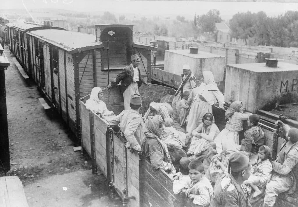 صورة لقطار مليء بالبلاجئين الأرمن سنة 1918