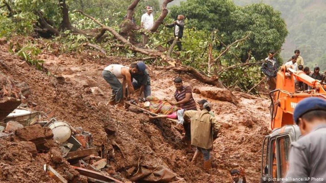 54 تن در اثر لغزش زمین در میانمار جان باختند