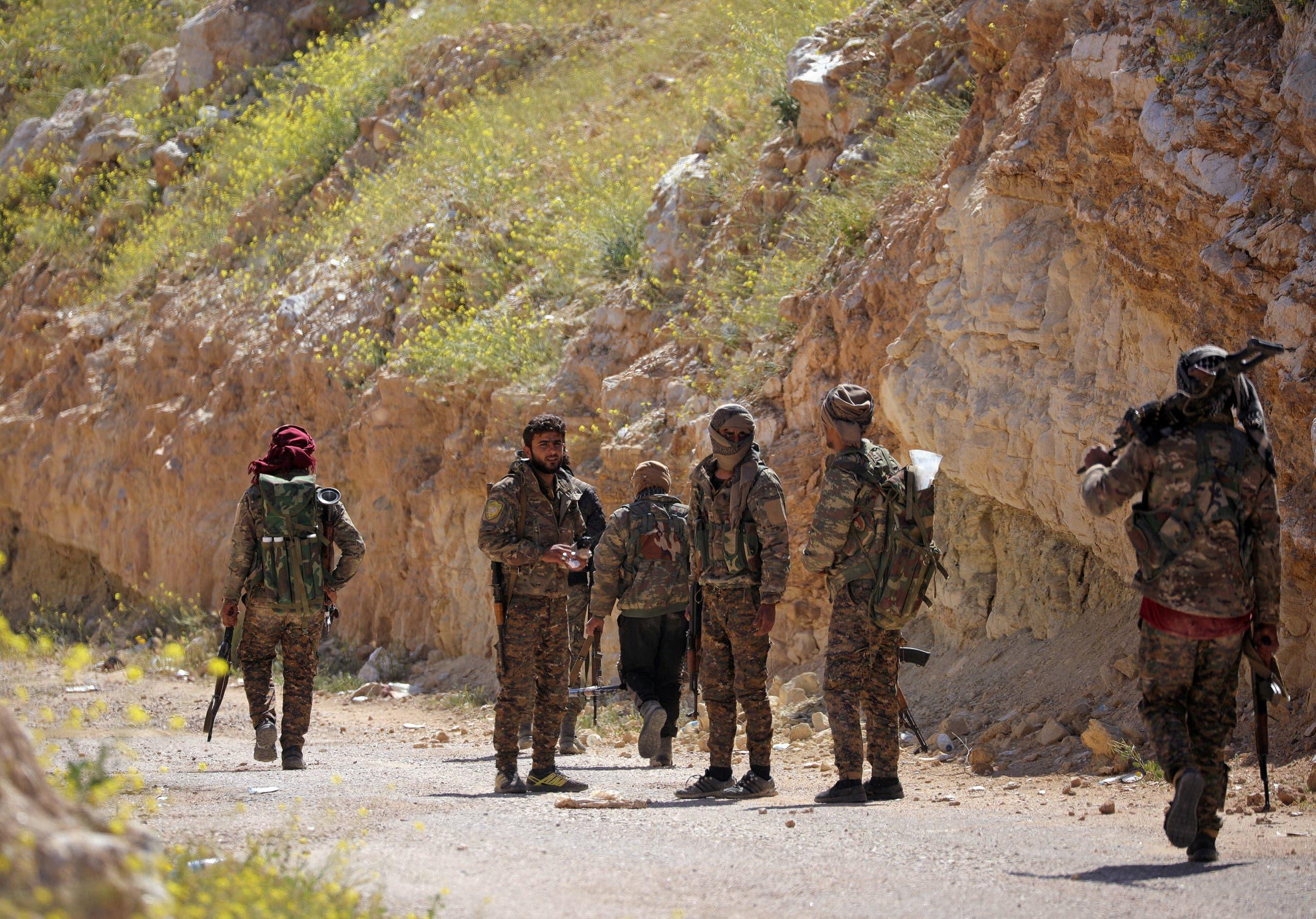 عناصر من القوات الكردية