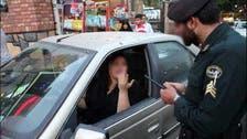 حجاب کی خلاف ورزی پر سیکڑوں ایرانی خواتین کی جواب دہی کے لیے پولیس مراکز میں طلبی