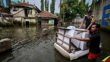 10 قتلى وآلاف المشردين في فيضانات في إندونيسيا