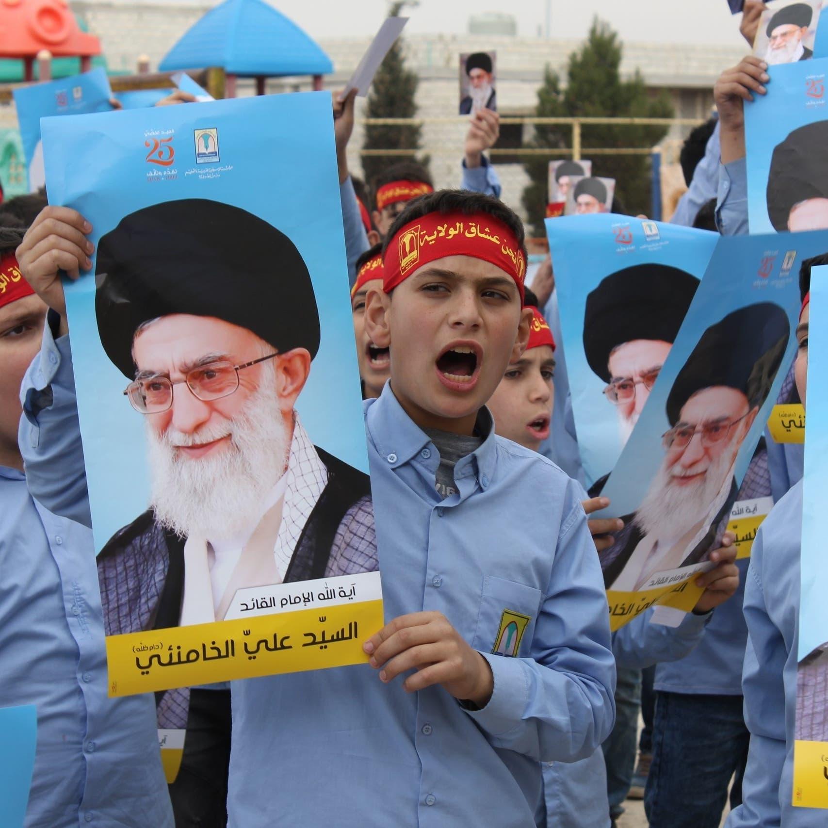 هكذا يعبئ حزب الله صغاره.. مدارس وكشافة ومناهج خمينية