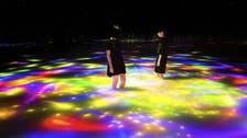 وڈیو : دبئی کے ولی عہد ٹوکیو کے ڈیجیٹل آرٹ میوزیم کے اندر