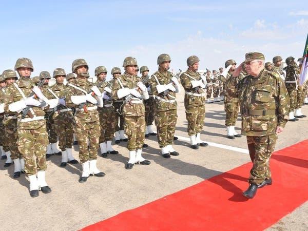 الجزائر.. لماذا يرفض الجيش فكرة المرحلة الانتقالية؟