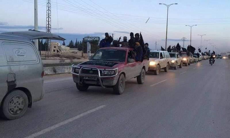 أرتال من مقاتلي هيئة تحرير الشام