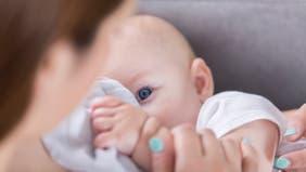 مفاجأة.. لبن الأم الملقحة ضد كورونا يحتوي على أجسام مضادة