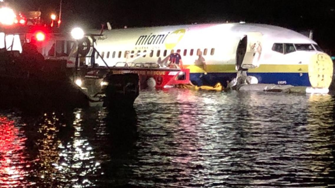 هبوط طائرة فوق نهر في فلوريدا